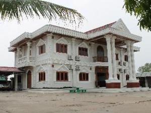 Sonsay Hotel