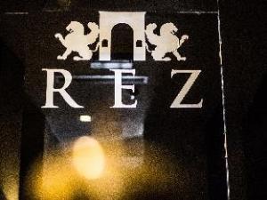 Rez Apartments