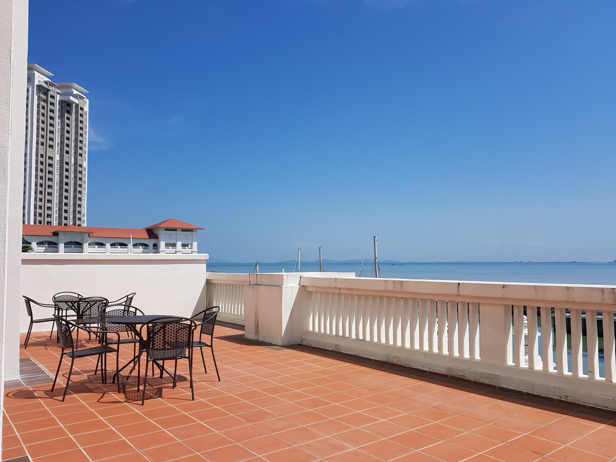 Straits Quay MarinaandSea View + Large Balcony