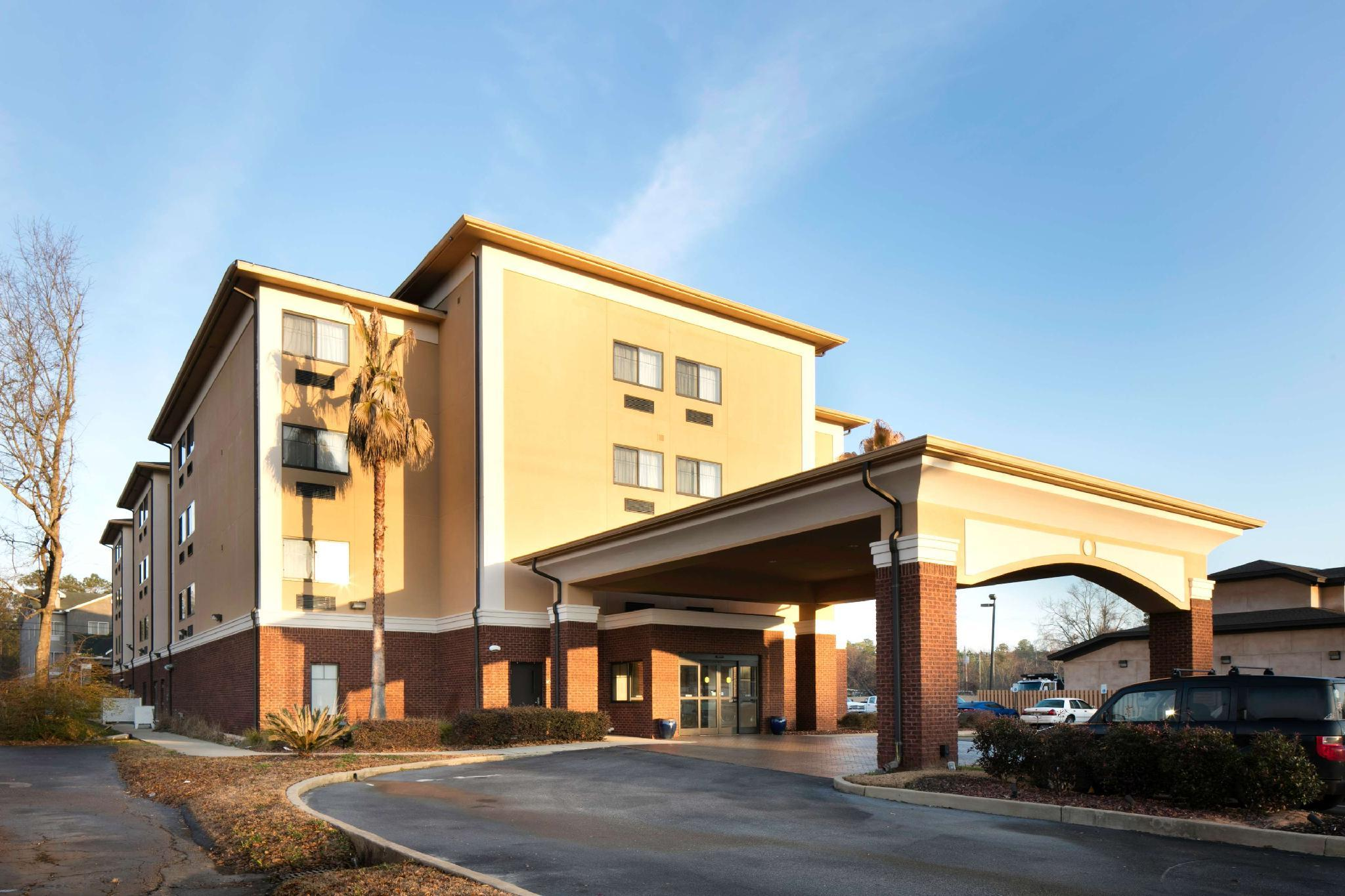 Red Lion Inn And Suites Saraland