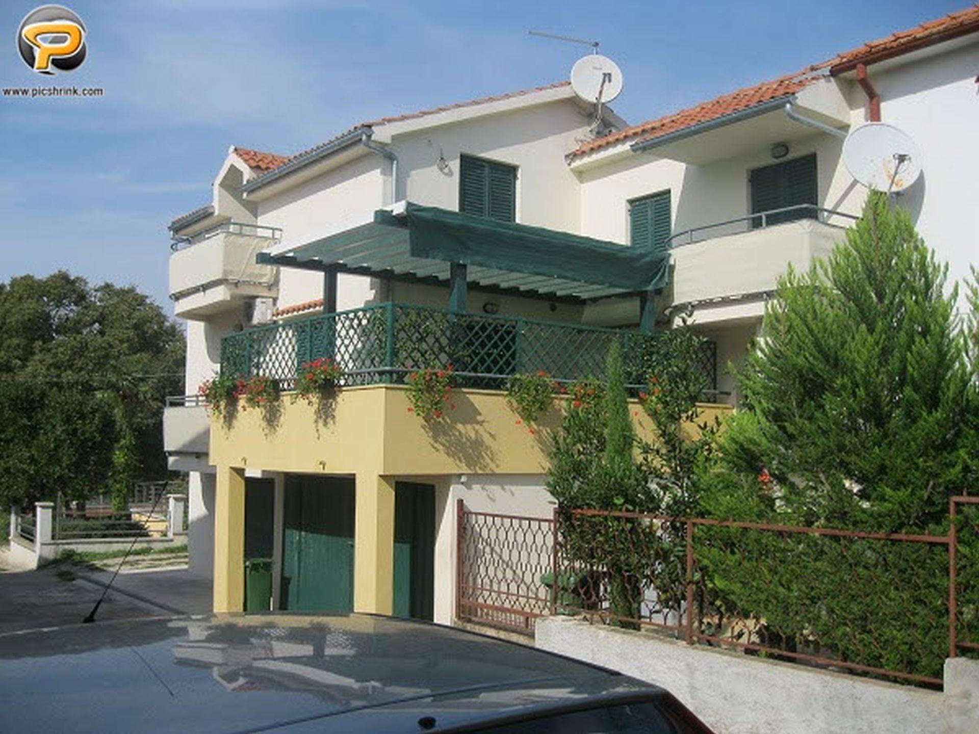 Apartment Miodrag I