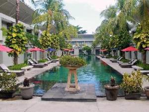 더 오아시스 쿠타 호텔  (The Oasis Kuta Hotel)