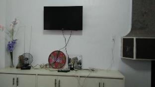 picture 5 of 3 Bedroom Condo Unit Near Mansion