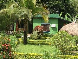 關於奇特旺度假營地 (Chitwan Resort Camp)