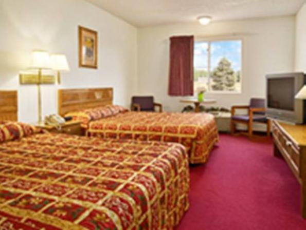 Westwood Inn & Suites   Kimball