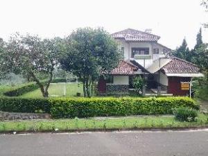 Villa Chava Bata - Ciater Highland Resort