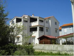 Apartments Mateas image