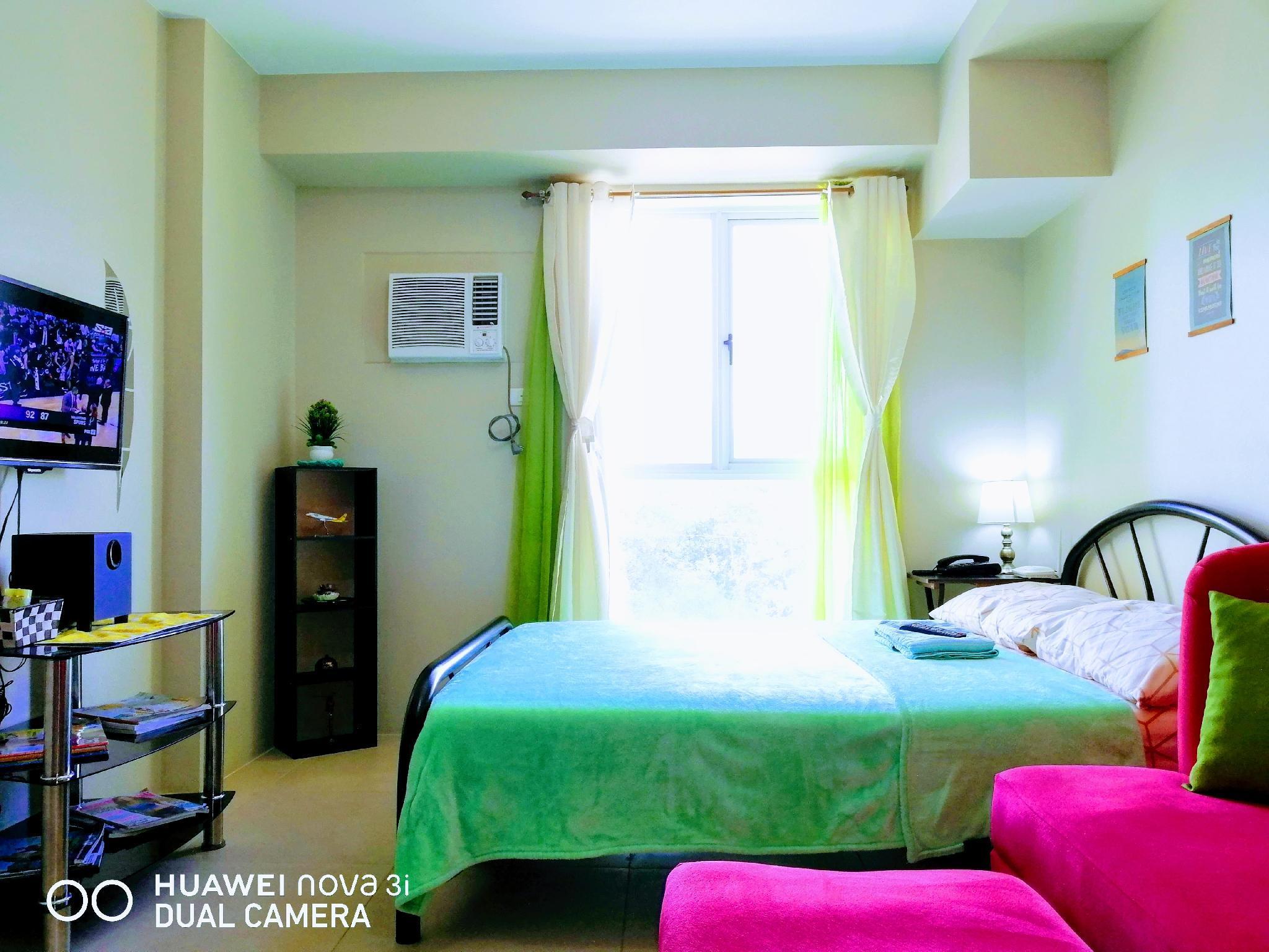 Cozy Condo Studio near Manila Airport w/ Unli Wifi