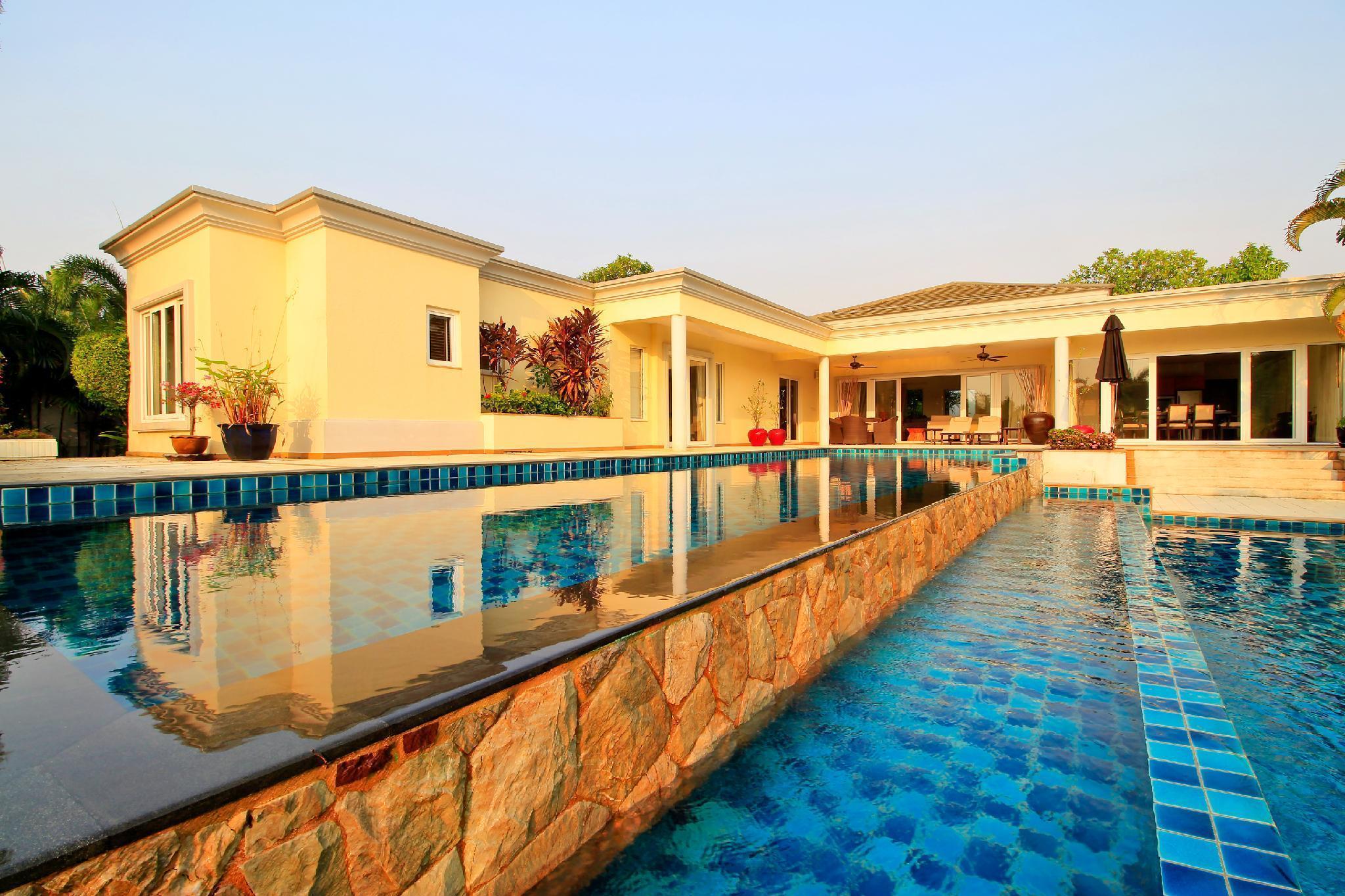Sunset Villa 4 Bedroom Luxury Pool Villa Pattaya Sunset Villa 4 Bedroom Luxury Pool Villa Pattaya