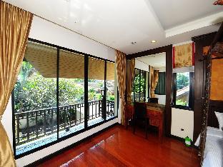 4 Bedroom Thai Style Villa with Pool in Pattaya