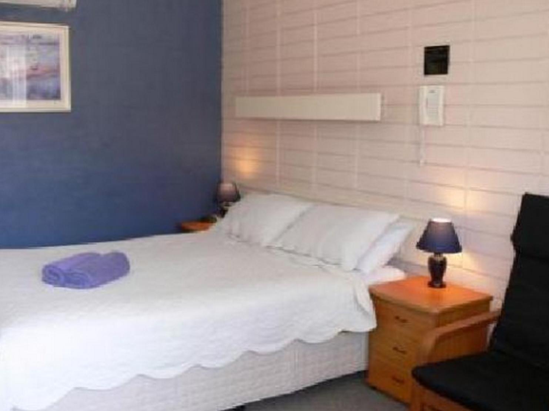 Review Avenue Motel
