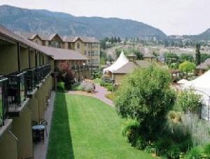 Ramada Inn & Suites Hotel