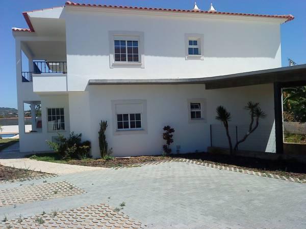 RC   Pata Residence