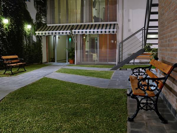 Nuna Ayni Apartments