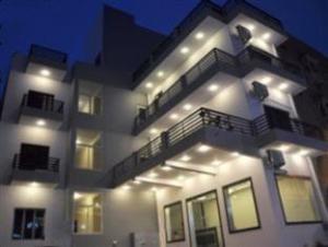 奇特拉大酒店 (Chitra Grand Hotel)