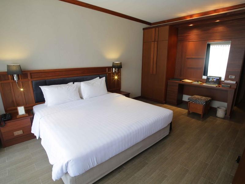 Tohsang Ubon Hotel โรงแรมทอแสง อุบล