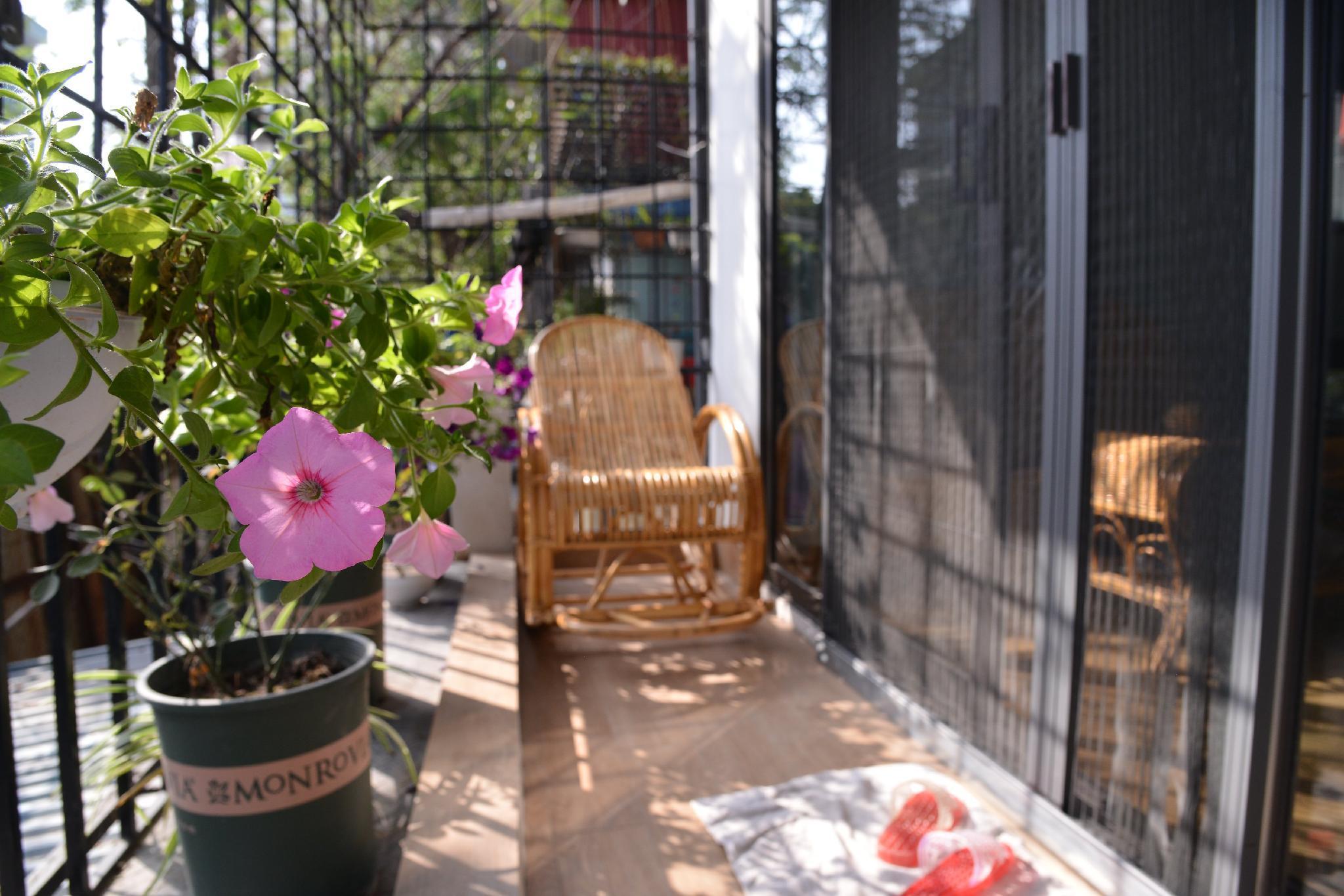 Peaceful And Sunny Balcony Home