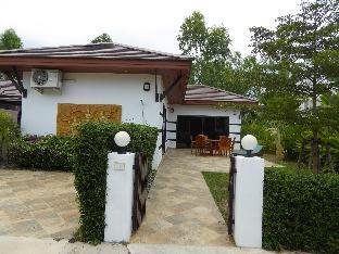 トロピカーナ ビーチ ヴィラ アット VIP チェーン リゾート Tropicana Beach Villa at Vip Chain Resort