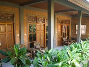 Bunut Garden Bed & Breakfast