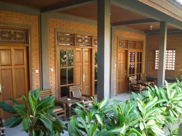 Bunut Garden Bed & Breakfast Bali