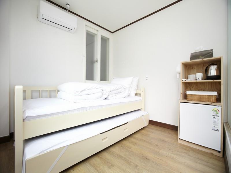 24 Guesthouse Sinchon Hongdae  Sinchonstyle