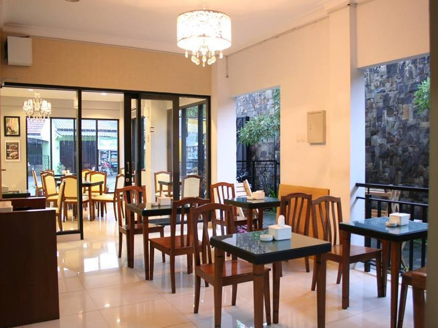 Viure Cafe And Guesthouse
