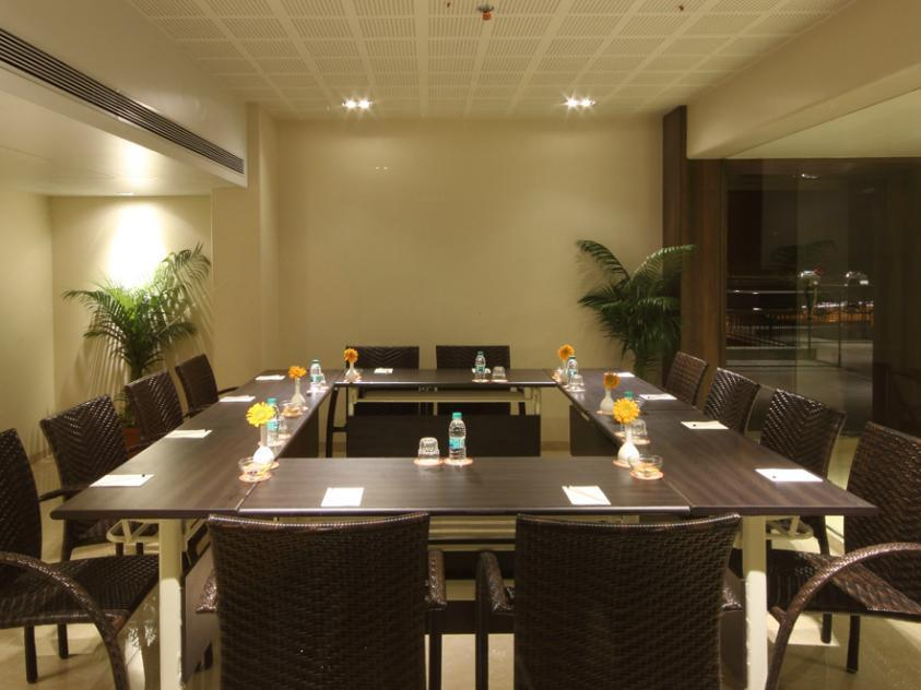 The Maharaja Business Hotel 5