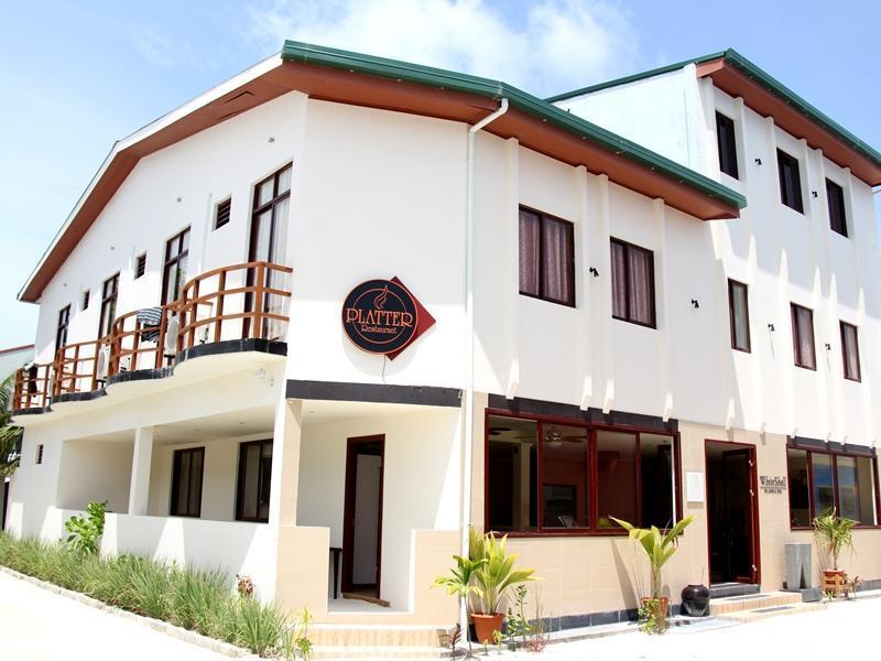 Whiteshell Island Hotel And Spa At Maafushi