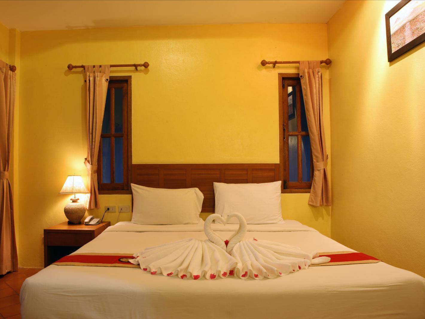 Bangtao Village Resort บางเทา วิลเลจ รีสอร์ท