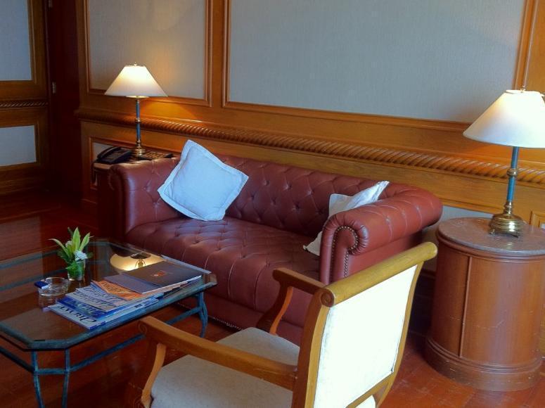 Ocean Marina Yacht Club Hotel โรงแรมโอเชี่ยน มาริน่า ยอชท์ คลับ