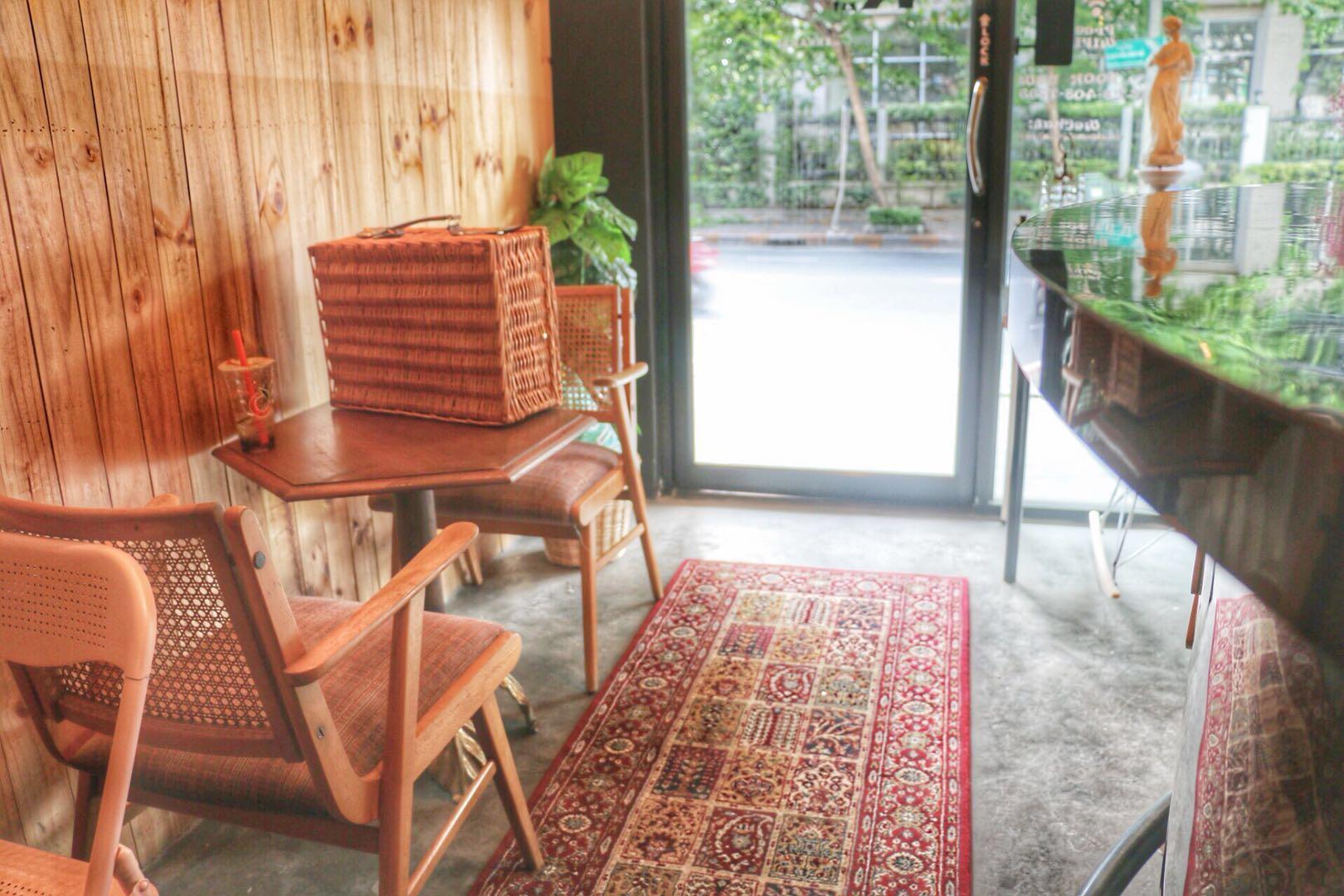 Hotels Review: Rest @ Ekkamai – Pictures, Room Rates & Deals