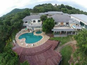 Starlite Khaoyai Hotel and Resort