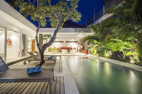 2 Bedroom, Luxurious Villa in Seminyak Bali