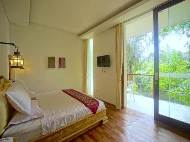 1BR Premium Room 2 w/ JUNGLE VIEW in Ubud CENTER