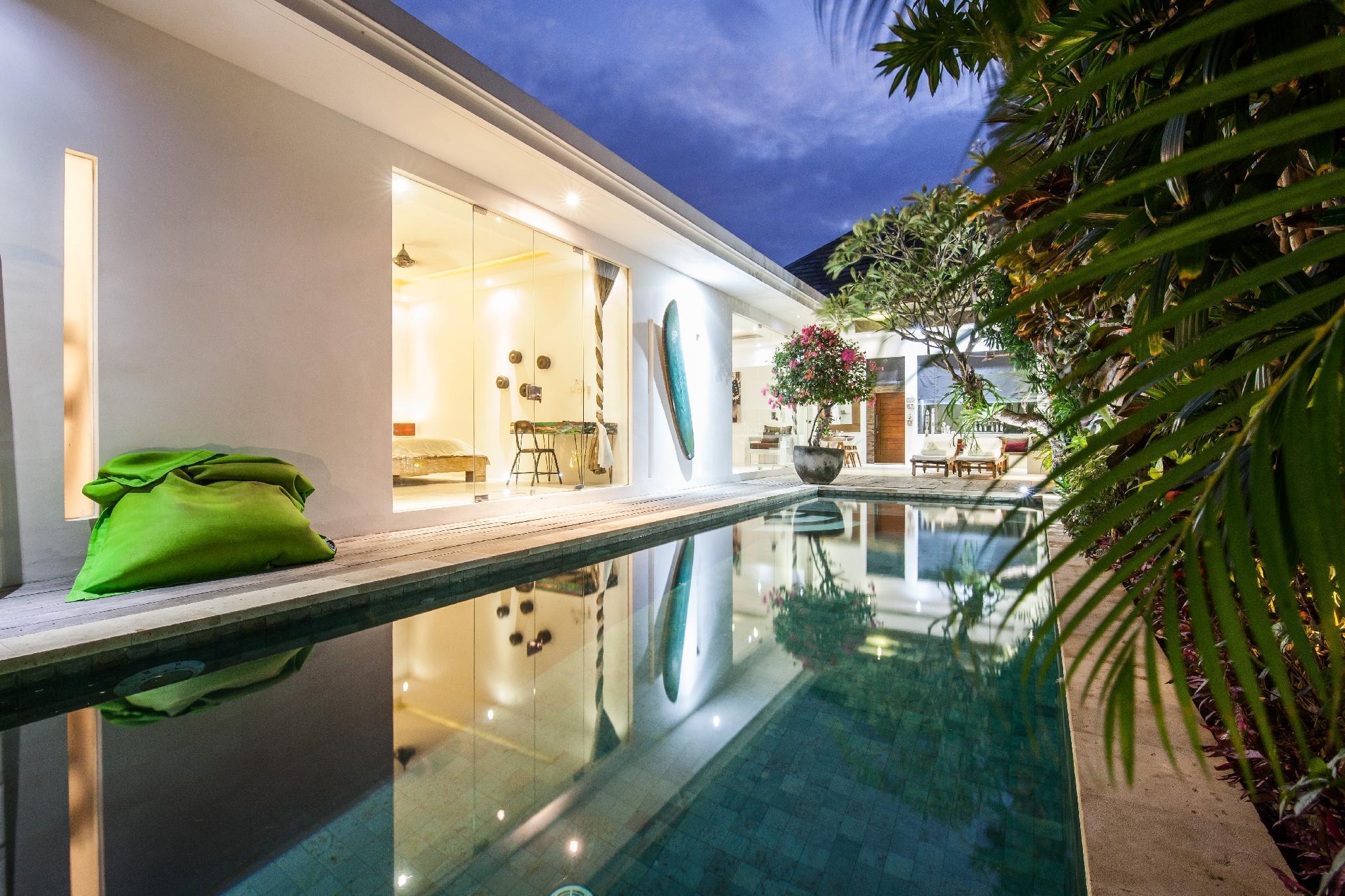 Modern Luxury Tropical Private Villa Seminyak