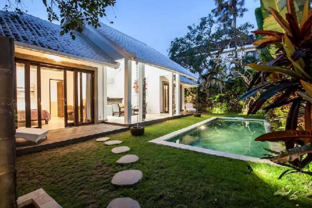Complex Resident Private Villa with 6Br 3 Pool