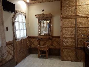 picture 3 of Villa Anastacia Room Beige room