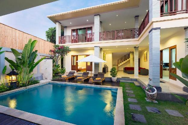 4 BR Private Pool Villa Close To Beach Kubal