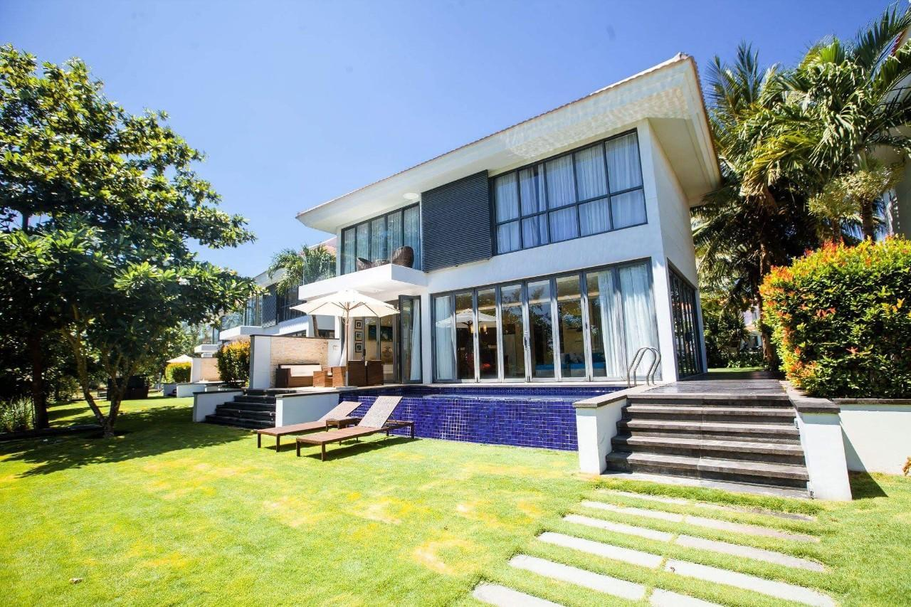 Stunning 4BR Villa Close To The Beach