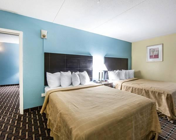 Price Quality Inn and Suites West Waterpark Knoxville