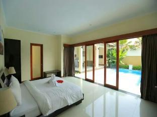 1 BRoom Private Pool Villa and Kitchen in Seminyak Denpasar Kota