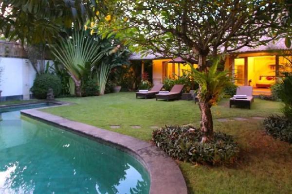 Suara Ocean 3 Bedroom Villa, Seminyak Bali
