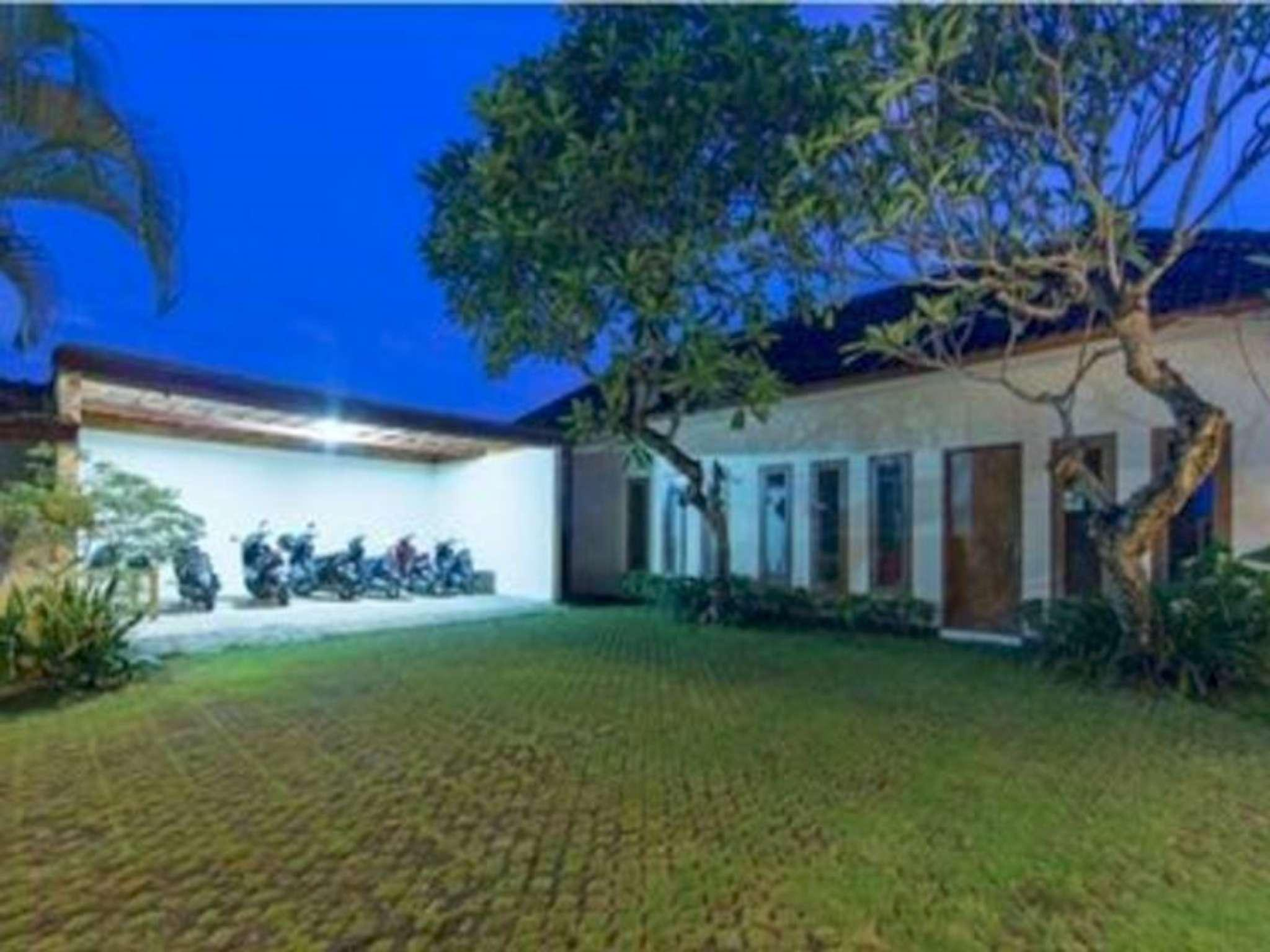 5 Bedroom Huge Villa With Playground In Canggu