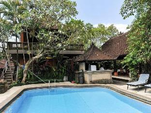 Best Balinese Room at Puri Saraswati Ubud -PROMO!!