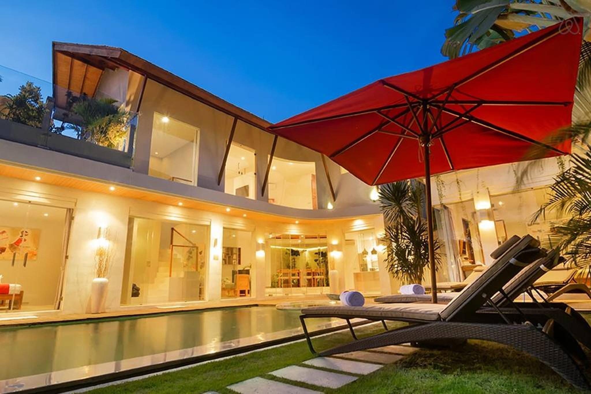 4 BDR Luxury Villa In Centre Seminyak