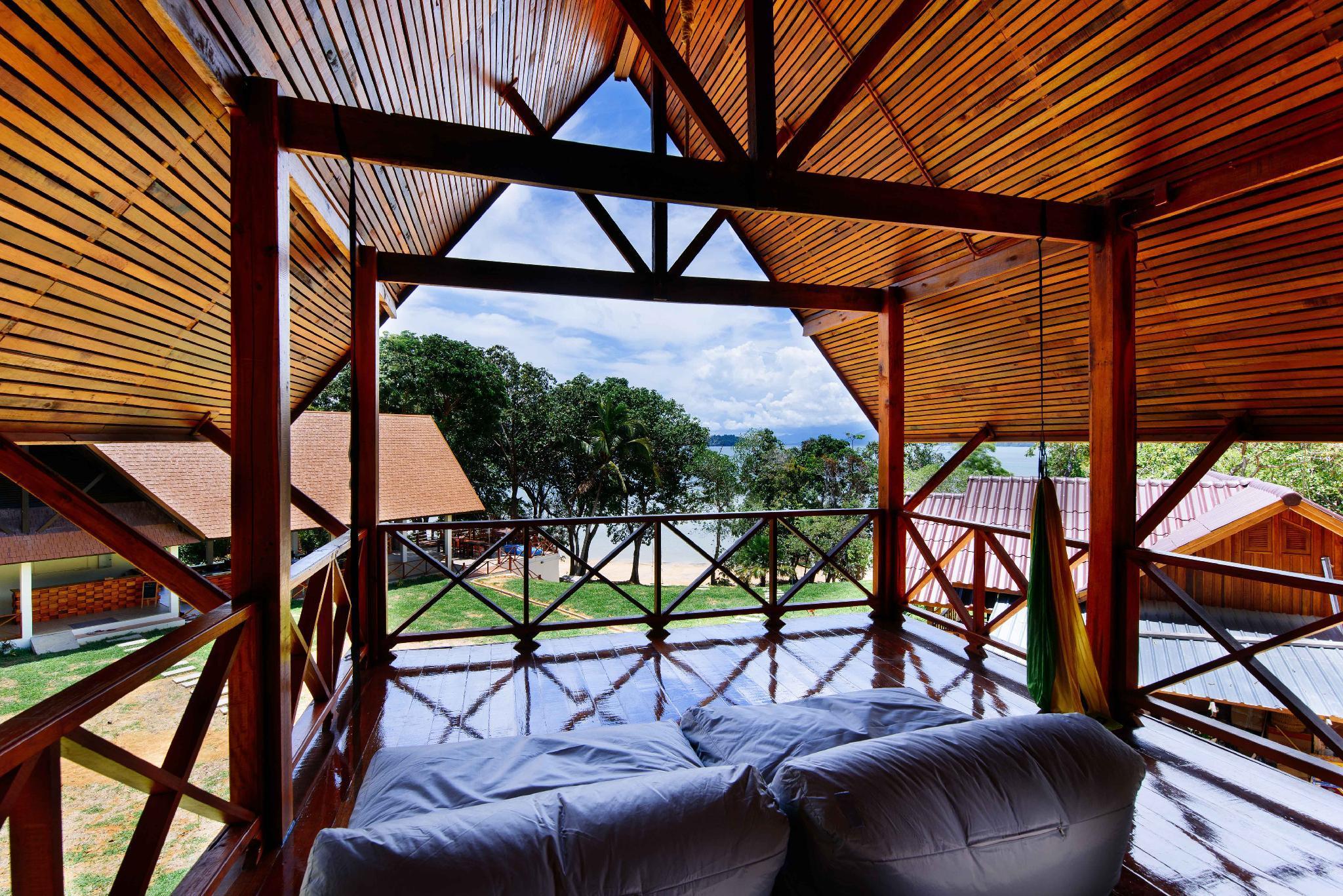 Review Phayamas Private Beach Resort