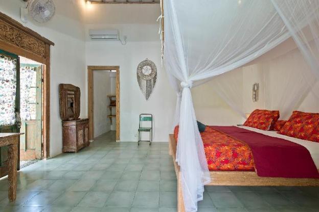 Villa Papaya Three Bedroom Family Villa in Bingin