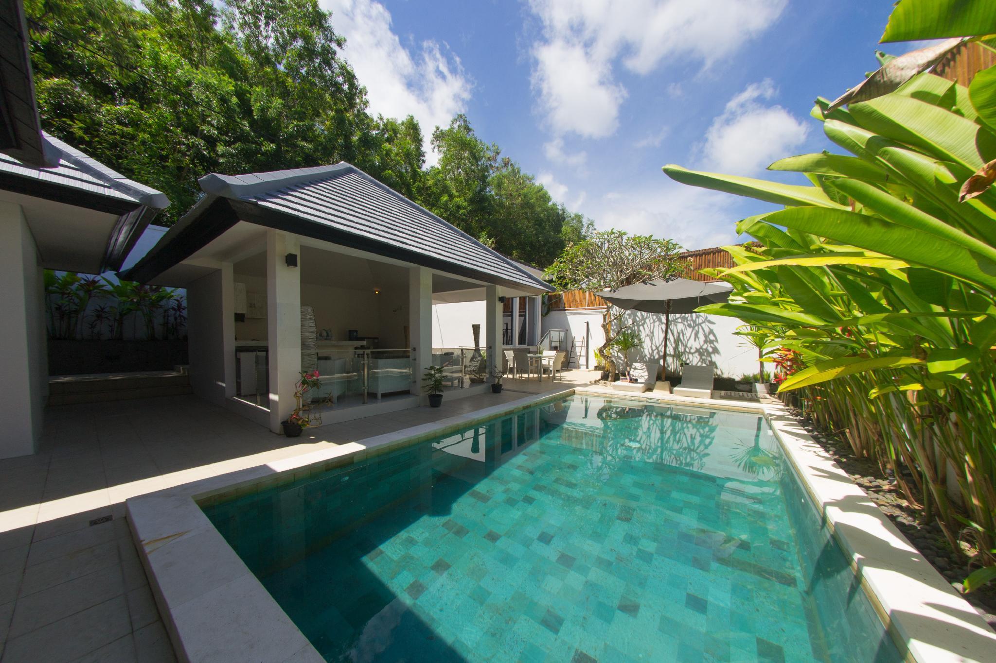 Minimalist Modern Three Bedroom Villa In An Ideal Location For Traveling In Bali