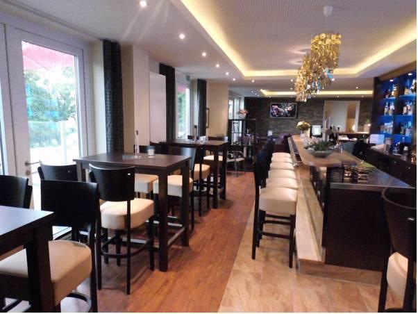 Hotel Oelen And Holgers Brasserie Und Lounge