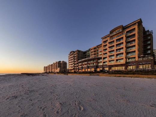 Oaks Plaza Pier Hotel